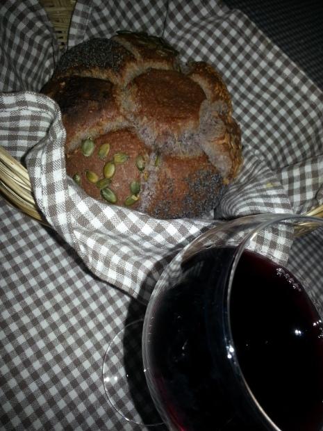 """Pain au vin rouge"" por Luislis Morales Galindo."